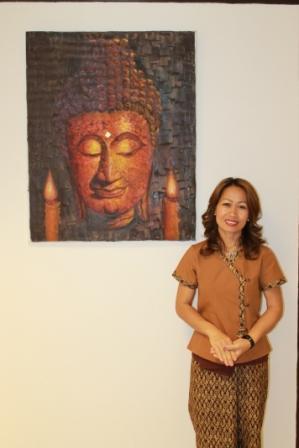 Samran Massage_ Hilversum Thaise massage masseur Samran betekent vrolijk. Ik heb mijn opleiding gevolgd aan de Thai Traditional Medical Services Society in Thailand. Ik heb nu mijn eigen Traditionele Thaise massage salon geopend. www.samran.nl/Massage+Hilversum