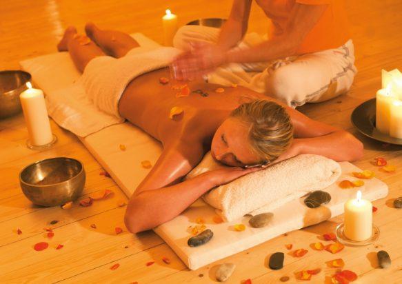 nu massage onbeschermd in Zevenbergen